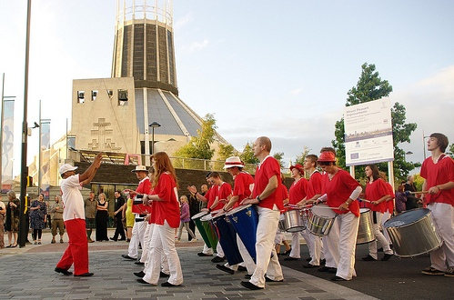 Raz leading samba group