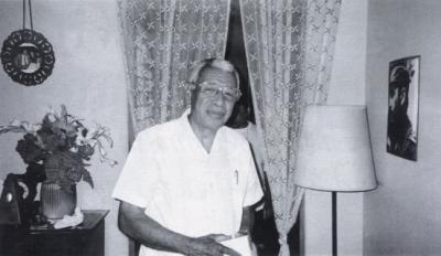 Richard Egüles at home in Havana April 2000 &copy sue miller